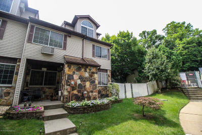 Single Family Home For Sale: 43 Croft Court
