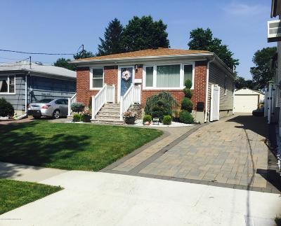 Staten Island Single Family Home For Sale: 515 Melyn Place