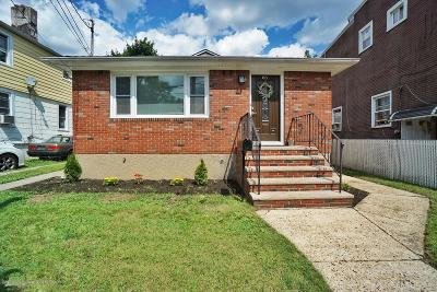 Staten Island Single Family Home For Sale: 63 Maple Parkway