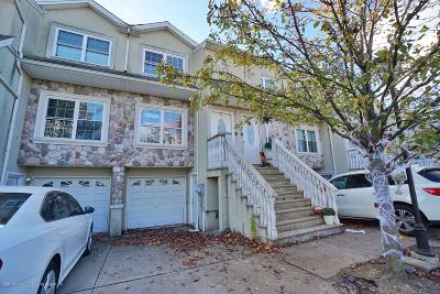 Staten Island Two Family Home For Sale: 24 Dartmouth Loop