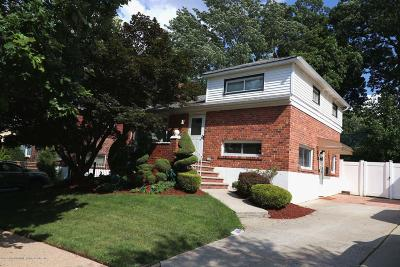 Single Family Home For Sale: 50 Fairway Avenue