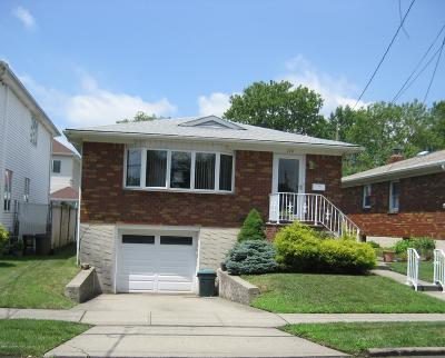 Staten Island NY Single Family Home For Sale: $638,800