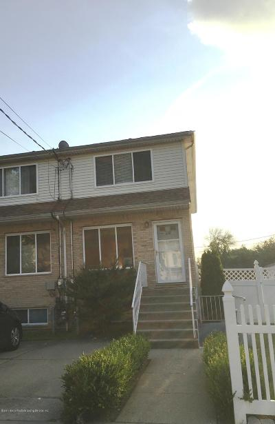 Staten Island Condo/Townhouse For Sale: 210 Maple Parkway