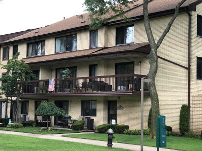 Condo/Townhouse For Sale: 27 Kathy Place #2b