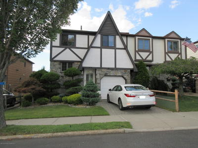 Semi-Attached For Sale: 51 Bascom Place
