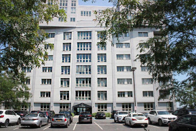 Condo/Townhouse For Sale: 90 Bay Street Landing #5h