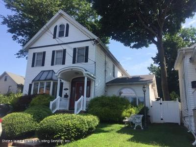 Single Family Home For Sale: 9 Highland Road
