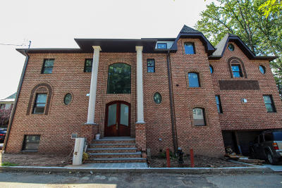 Staten Island Two Family Home For Sale: 528 Albourne Avenue