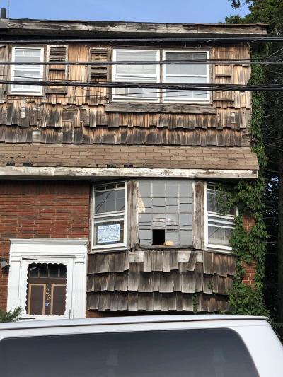 Semi-Attached For Sale: 22 Washington Avenue