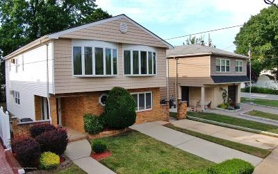 Staten Island Two Family Home For Sale: 1872 Drumgoole Road W