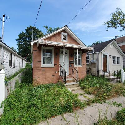 Single Family Home For Sale: 176 Moreland Street