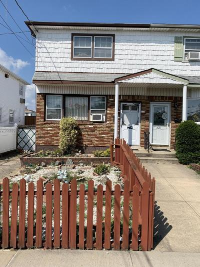Semi-Attached For Sale: 823 Tysens Lane