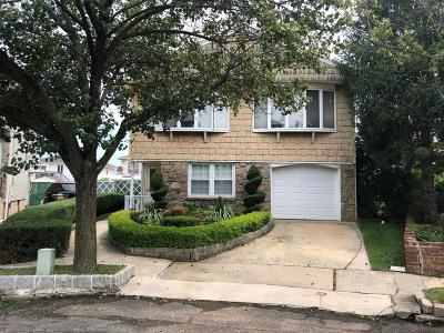 Single Family Home For Sale: 26 Elie Court