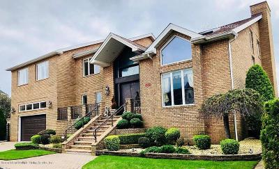 Single Family Home For Sale: 25 Nicolosi Drive