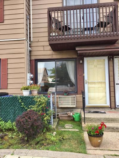 Staten Island Single Family Home For Sale: 84 Daffodil Lane