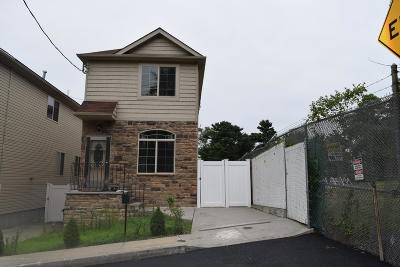 Staten Island Single Family Home For Sale: 100 Bell Street