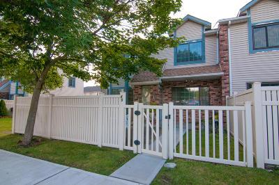 Semi-Attached For Sale: 45 Shirra Avenue