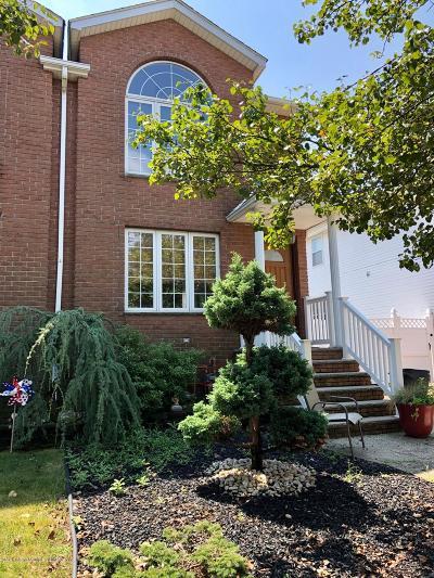 Semi-Attached For Sale: 272 Malvine Avenue