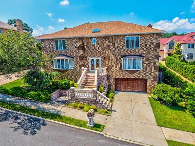 Richmond County Single Family Home For Sale: 52 Ridge Avenue