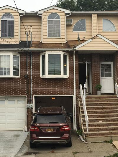 Staten Island NY Single Family Home For Sale: $524,000