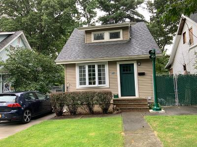 Staten Island NY Single Family Home For Sale: $578,000