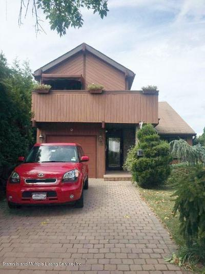 Staten Island NY Single Family Home For Sale: $679,000