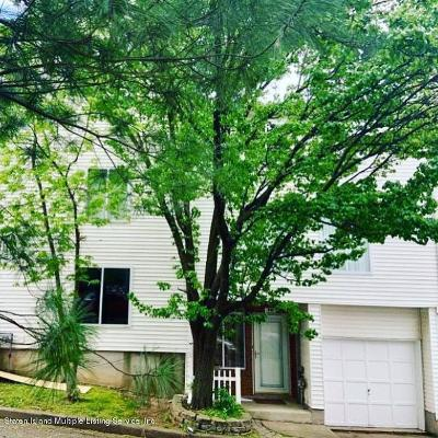 Staten Island NY Single Family Home For Sale: $373,000