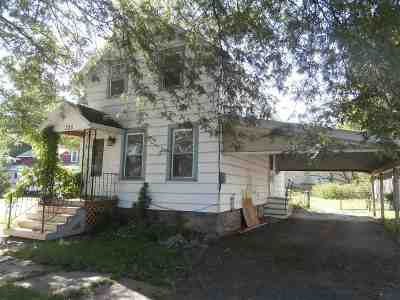 Ogdensburg Single Family Home For Sale: 725 Albany Ave