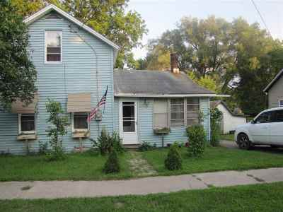 Single Family Home For Sale: 6 Pine Street
