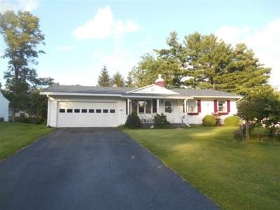 Massena Single Family Home For Sale: 39 Dover Street