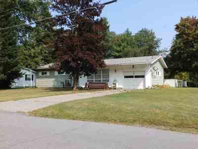 Massena NY Single Family Home For Sale: $106,000