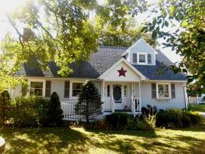 Massena Single Family Home For Sale: 42 Clarkson Avenue
