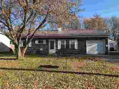 Massena Single Family Home For Sale: 24 Amherst Road