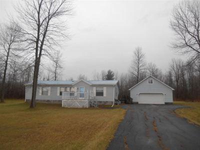 Massena NY Single Family Home For Sale: $62,000