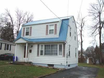 Massena NY Single Family Home For Sale: $57,000
