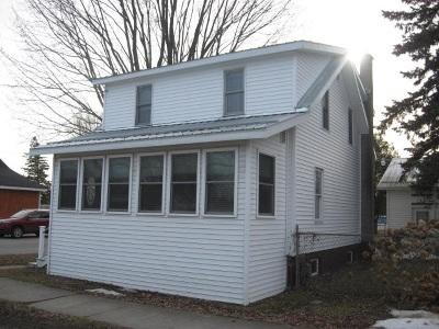 Ogdensburg Single Family Home For Sale: 925 New York Avenue