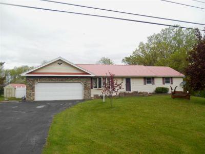 Massena NY Single Family Home For Sale: $98,500