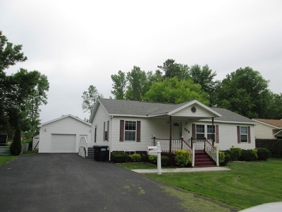 Ogdensburg Single Family Home For Sale: 702 Proctor