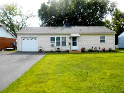 Massena NY Single Family Home For Sale: $68,500