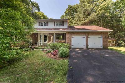 Kingston Single Family Home For Sale: 21 Tall Oaks Drive