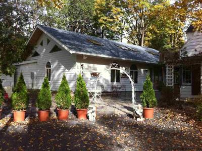 Woodstock Single Family Home For Sale: 18 Maple Lane