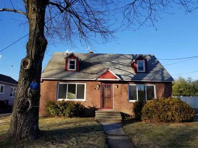 Kingston Single Family Home For Sale: 100 Lawrencevile St