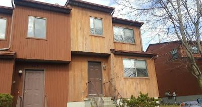 Townhouse For Sale: 206 Sterling Place