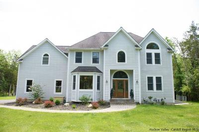 New Paltz Single Family Home For Sale: 37 Morning Star Drive E Drive