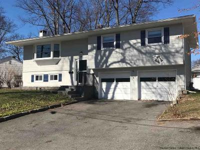 Saugerties Single Family Home For Sale: 1 Highland Avenue
