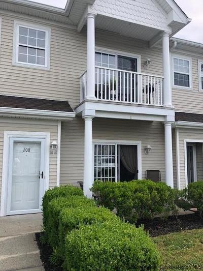 Saugerties NY Condo For Sale: $174,000