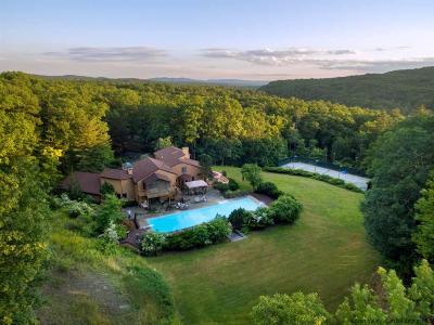Kingston Single Family Home For Sale: 76 Tall Oaks Drive