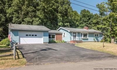 Kingston Single Family Home For Sale: 18 Denver Road