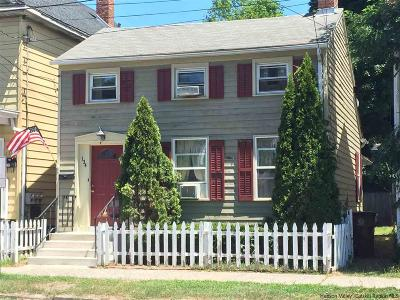 Kingston Single Family Home For Sale: 134 Clinton Avenue