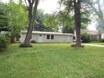 Saugerties Single Family Home For Sale: 9 South Road